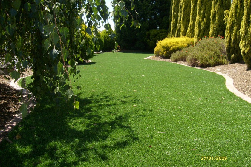 Narre Warren – Front Lawn